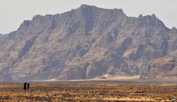 Regions that are now desert may have been covered with lush vegetation in the past.
