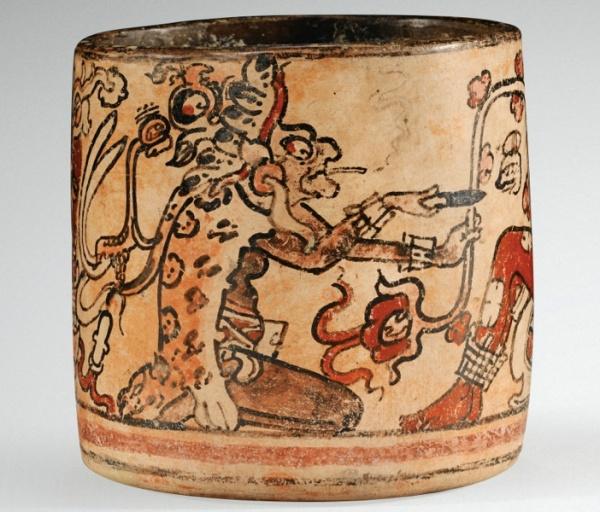 Lot 41. VASE À DÉCOR PEINT DE PERSONNAGESCULTURE MAYA MEXIQUE OU GUATEMALA CLASSIQUE, 600-900 AP. J.-C. MAYA VASE WITH PAINTED FIGURES, MEXICO OR GUATEMALA h. 10 cm ; 4 in Estimate: 50,000-60,000 Provenance Throckmorton Fine Art, New York, 2002 Collection Barbier-Mueller, Genève, Inv. n° 502-48