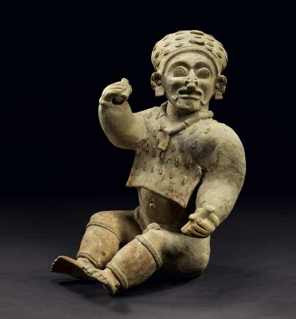 Lot 24. Important Sitting Person Culture Jama - Coaque, Manabí, Ecuador 500 BC to AD 500 H. 40,5 cm - L. 23 cm Estimate: €20,000-30,000. Provenance - Private French Collection