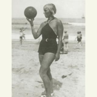 Pablo Picasso Marie-Thérèse Walter, Juan-les-Pins, 27 July, 1932, Archives Maya Widmaier Picasso