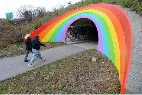 Don Valley Parkway rainbow. VINCE TALOTTA / TORONTO STAR