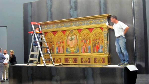 Installation of the Baroncelli Polyptych c. 1334. Tempera on wood, 185 x 323 cm. Baroncelli Chapel, Santa Croce, Florence.